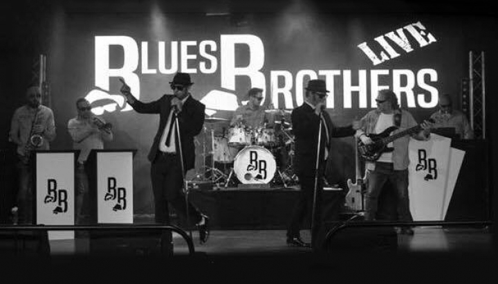 Blues Brothers Live Official