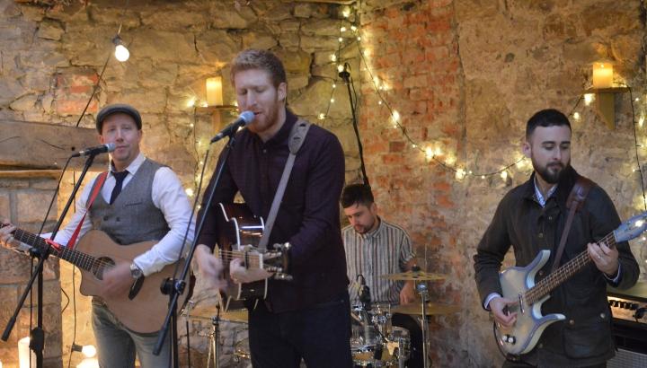Indie Wedding Songs.Top Uk Mumford Indie Wedding Band For Hire Folk Soul Bros
