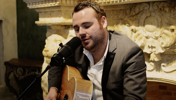 AMV Live Music | Award winning Wedding Vocalist, Scott Keirs, joins AMV Music lineup.